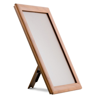 <li> Snap frame with wood print<br><li> With or without foot<br><li> Light weight plastic back<br><li> 25 mm profile