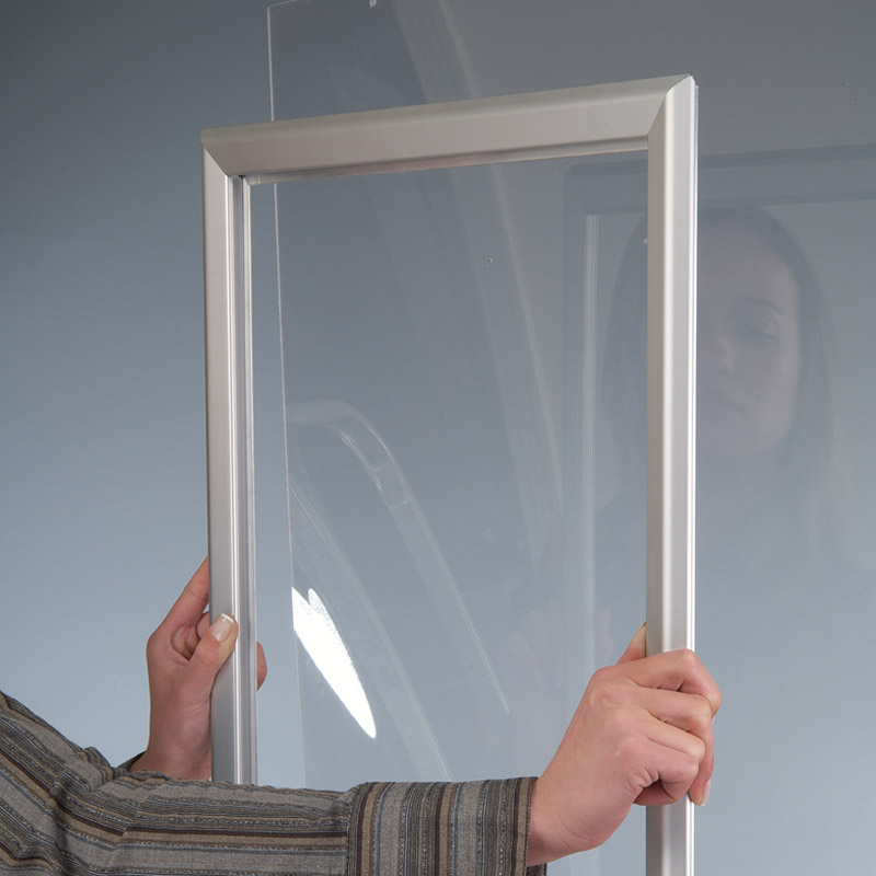 32 mm lockable window frame A3