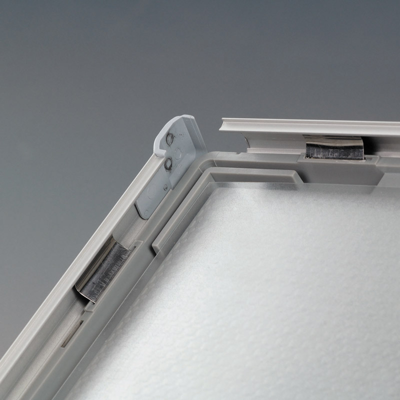 Opti frame 14 mm mitred 5 x 7 inch with support