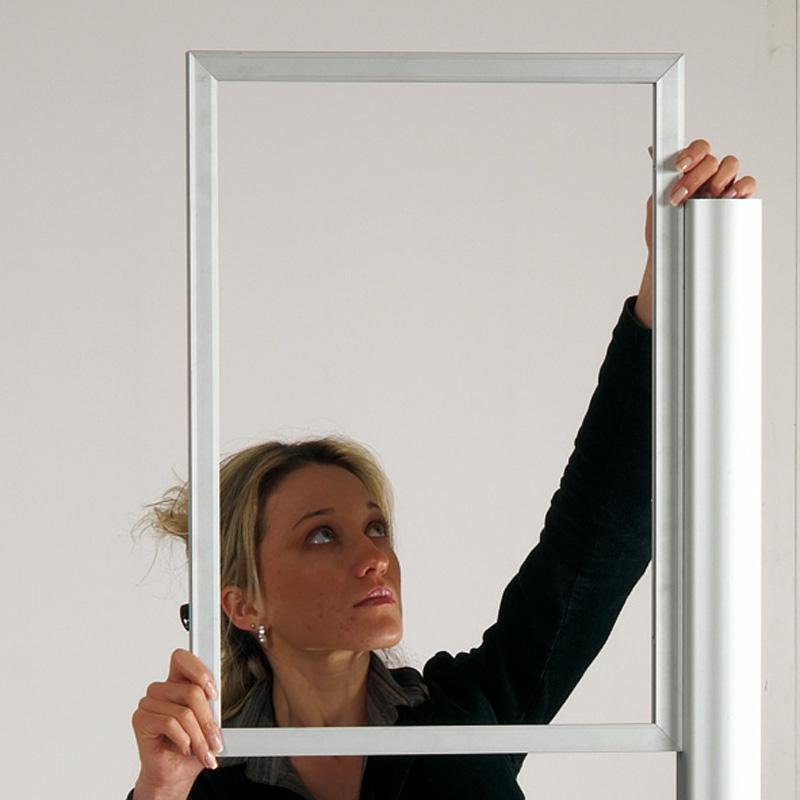 Freestanding slide-in frame B2