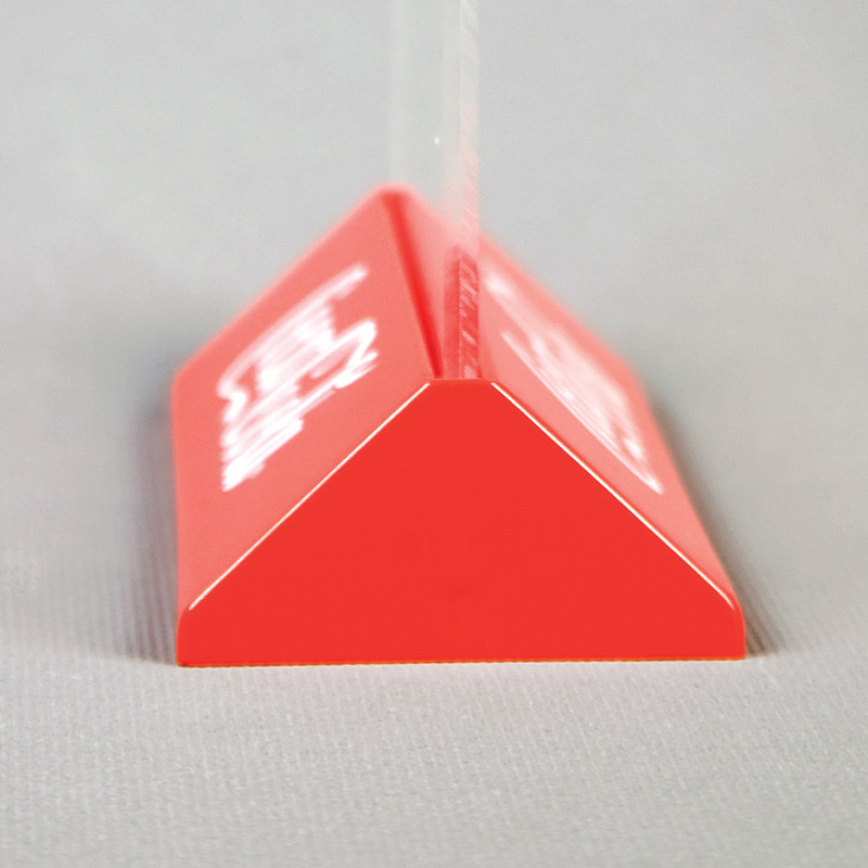 Pyramid menuholder A6 red landscape