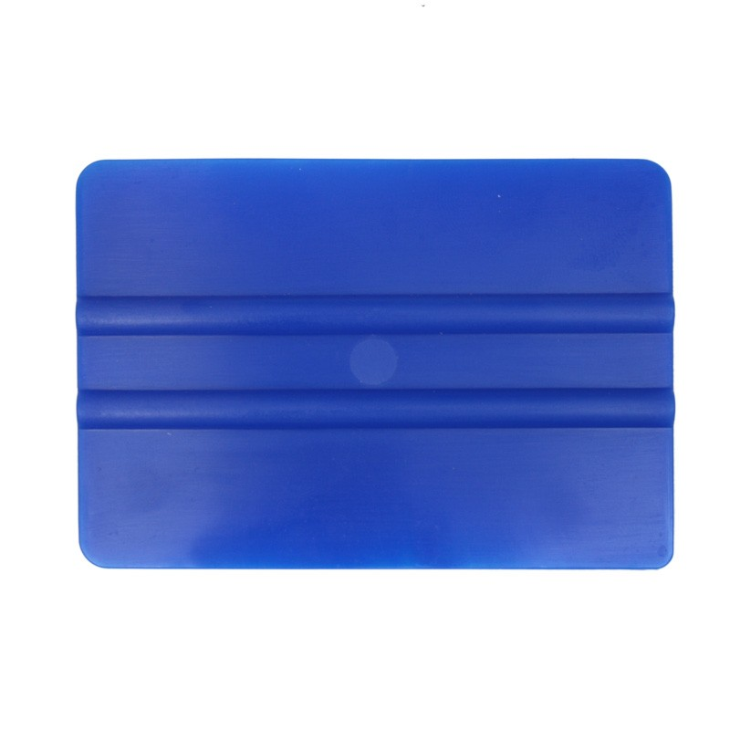 Squeegee soft plastic with smooth edge